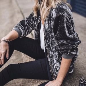 Free People Ruched Crushed Velvet Bomber sz M ✨